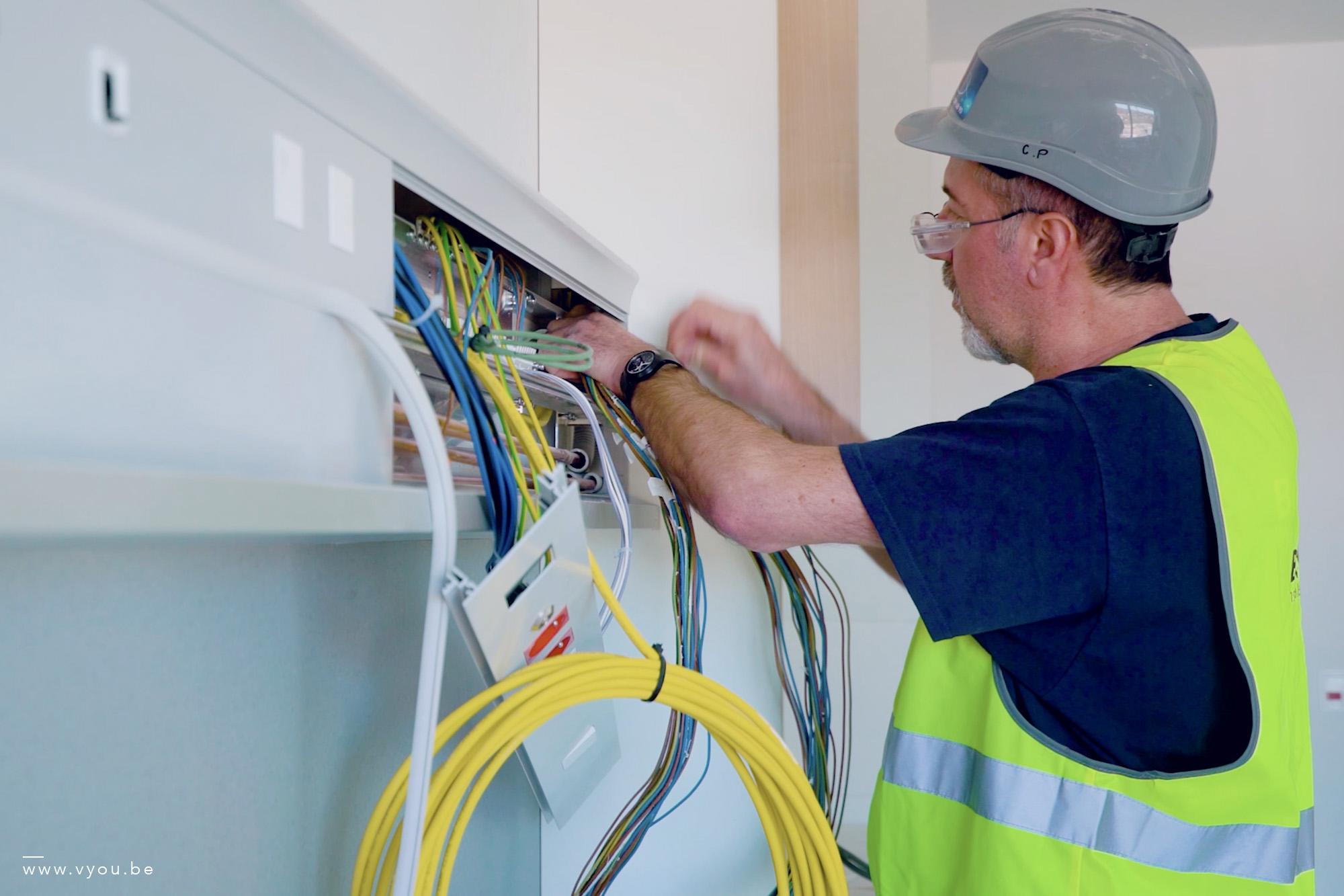 installations électriques chambre hôpital CHC MontLégia